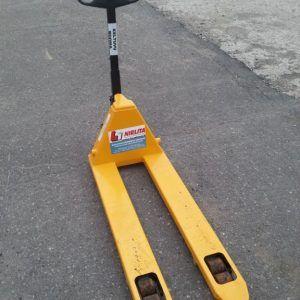Rankinis hidraulinis vežimėlis nuoma