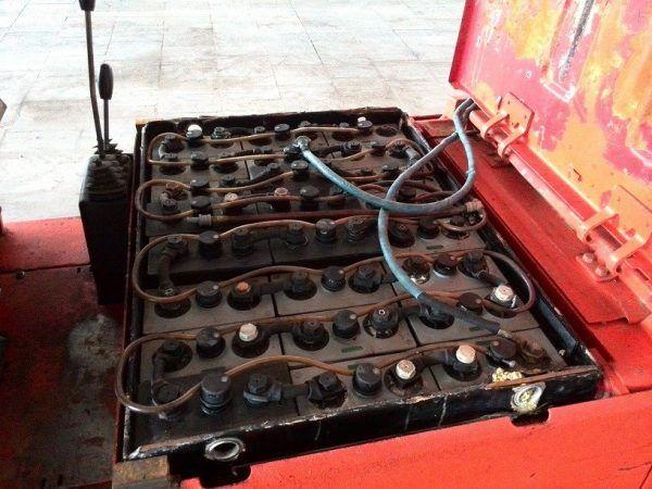 Šakinis krautuvas Linde E16P reikalinga baterija