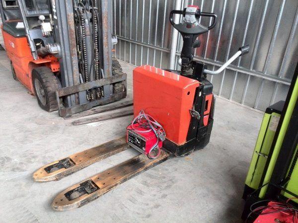 Palečių vežimėlisBT LPE200-8