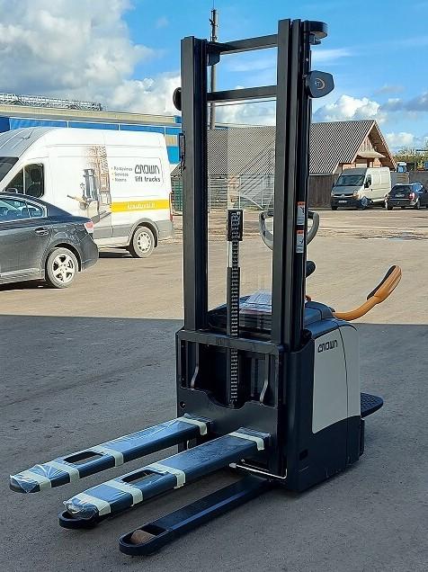 NAUJAS aukšto kėlimo vežimėlis Crown ET4000-4